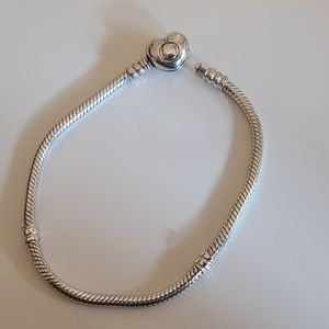 Pandora Moments 7.1 Heart Clasp Bracelet
